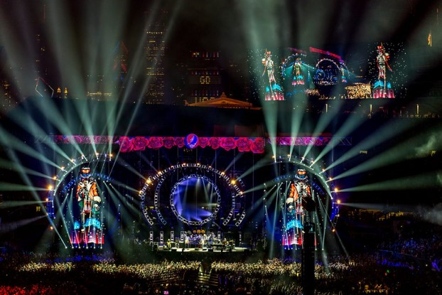 "One of the Best Concerts of 2015: The Grateful Dead's ""Fare Thee Well"" at Soldier Field in Chicago. (Photo/David Oppenheimer)"