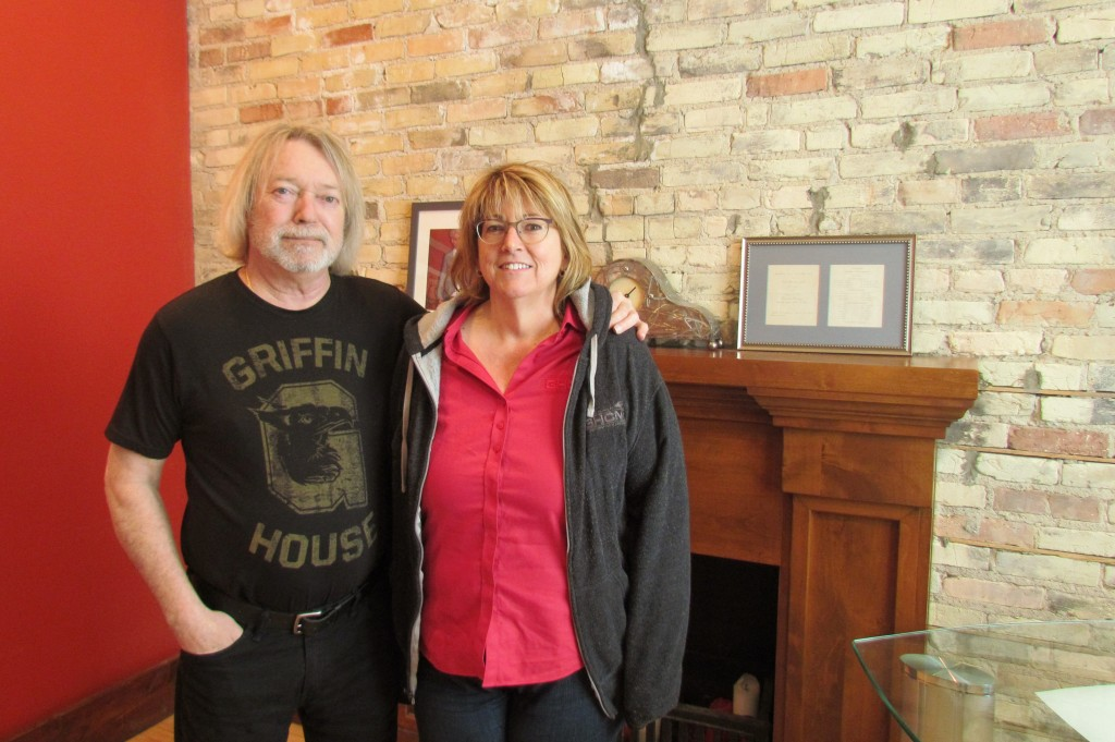 Growing the Seven Steps Up Fan Base: Gary and Michelle Hanks celebrate the fifth anniversary of Pin Drop Concerts this week. (Photo/Matt Marn)