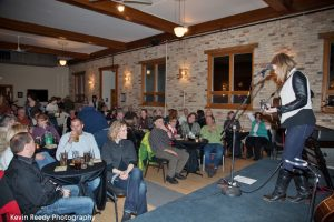 Attentive Fans: Liz Longley performing at Seven Steps Up. (Photo/Kevin Reedy Photography)