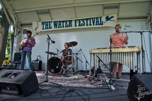 Building Their Fan Base: Dede & The Dreamers playing last summer's Water Festival. (Photo/Tori Thomas)